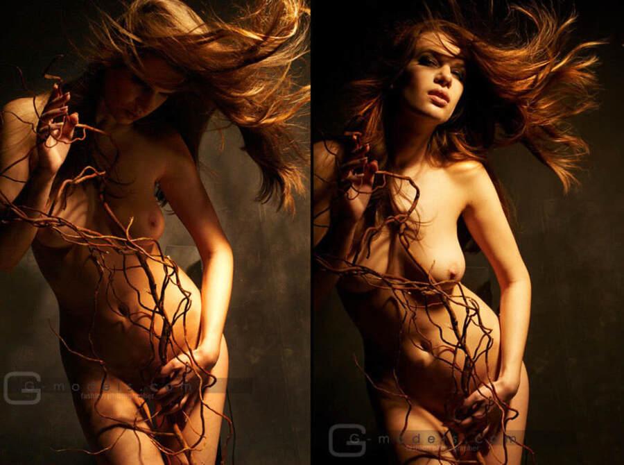 klip-v-nature-obnazhennaya-model-foto-mega-vagina